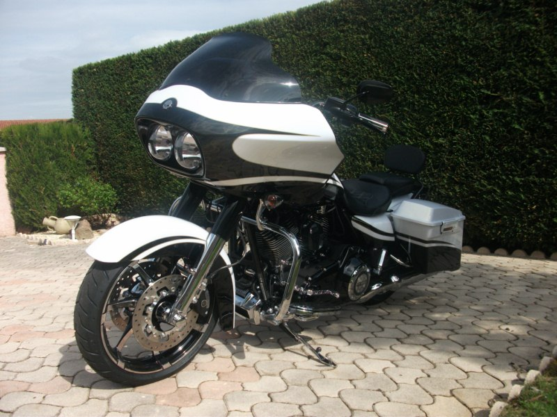 Road Glide CVO, combien sommes nous sur Passion-Harley - Page 2 Dscf5311