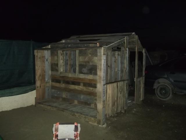 cabane pour les enfants Dscf2115