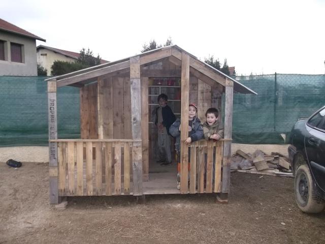 cabane pour les enfants Dscf2117