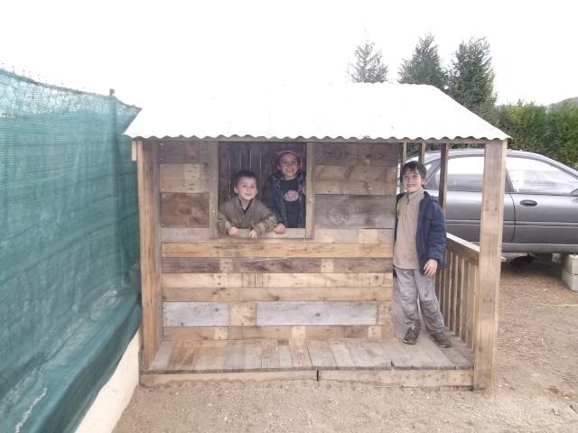 cabane pour les enfants Dscf2118