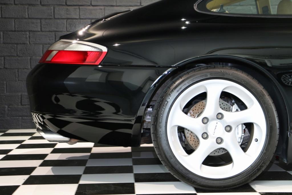 Porsche 996 nero pastello... con soli 256'000km  Img_4831