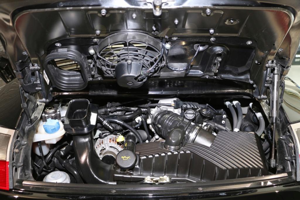 Porsche 996 nero pastello... con soli 256'000km  Img_4838