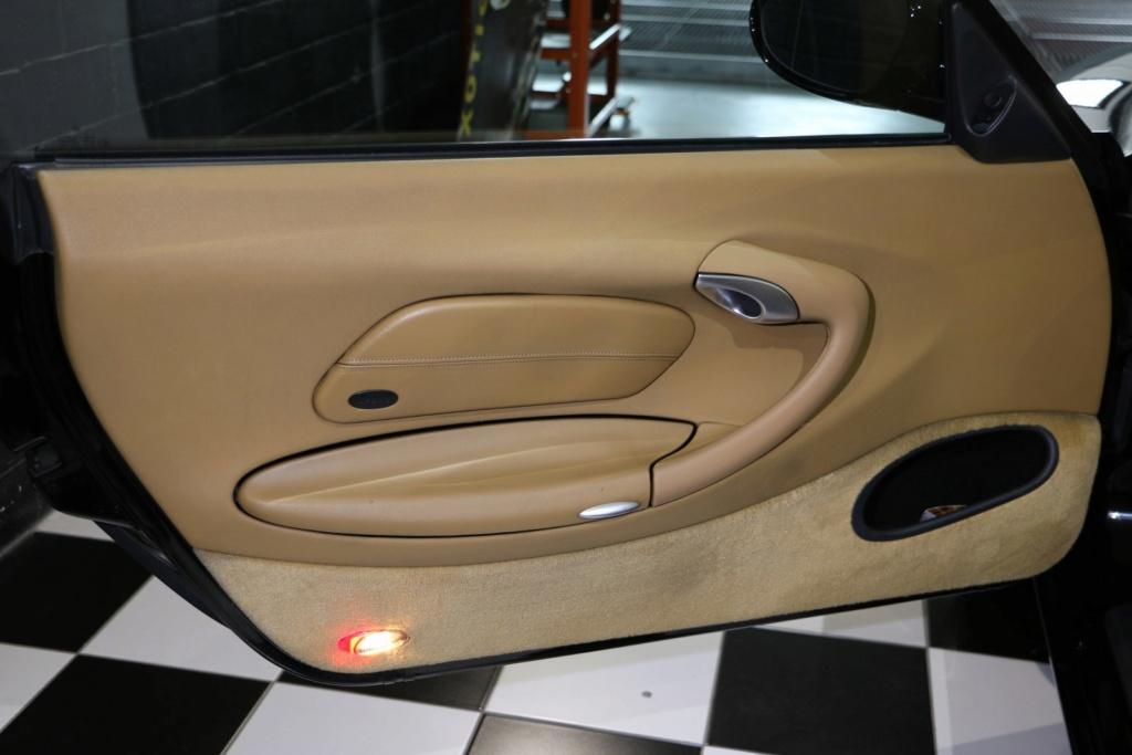Porsche 996 nero pastello... con soli 256'000km  Img_4914