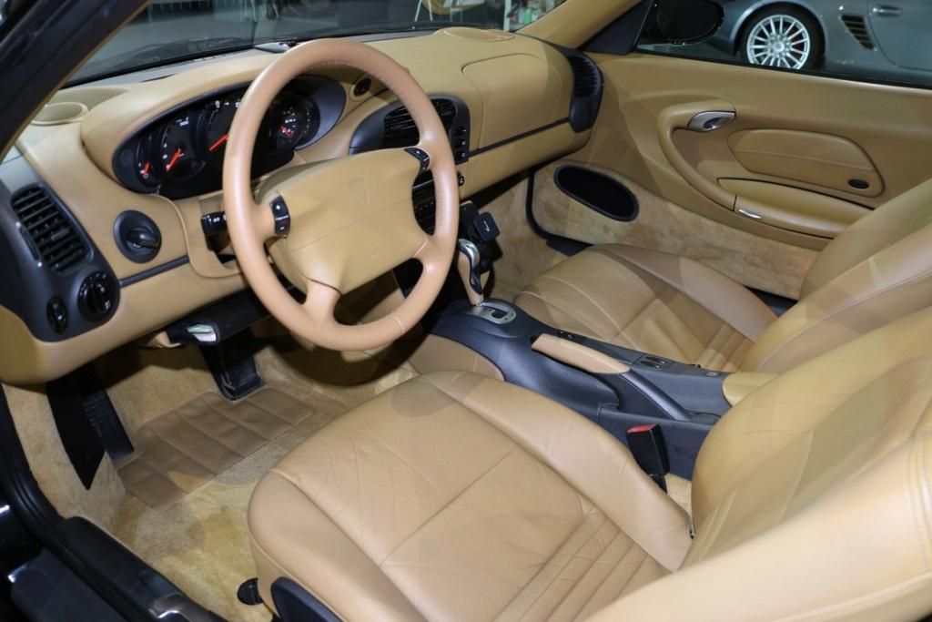 Porsche 996 nero pastello... con soli 256'000km  Img_4915