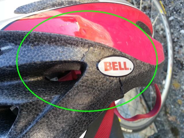 Porter un casque à vélo n'est pas un luxe ! 2013-053