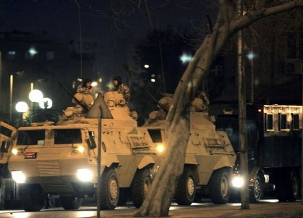 Update: La nouvelle Egypte de l´apres-révolte. 610x11