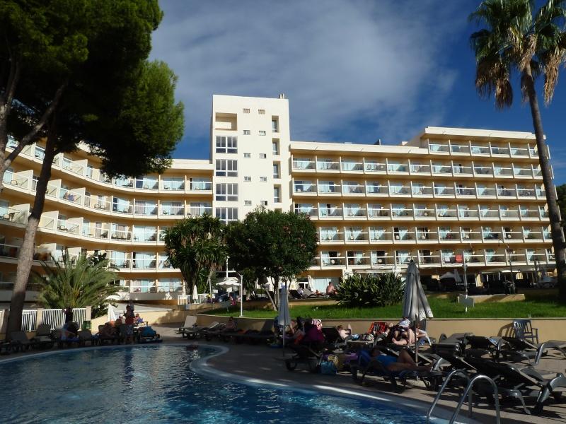 Marina Torrenova Hotel, 2012 - Page 3 P1020348