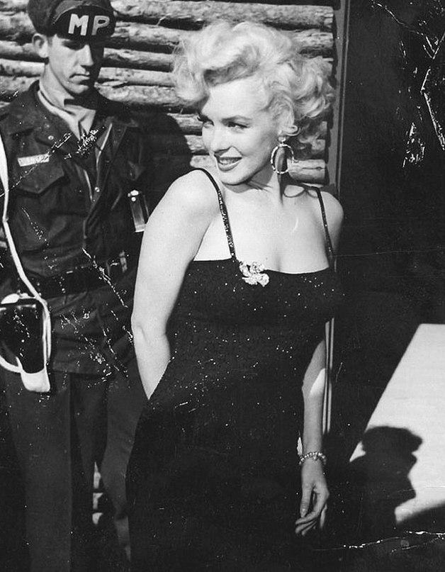 Marilyn Monroe - Page 10 _uunjo10