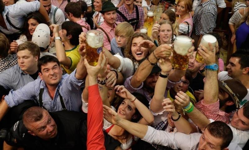 Oktoberfest in Munich - Page 2 Bamzs210