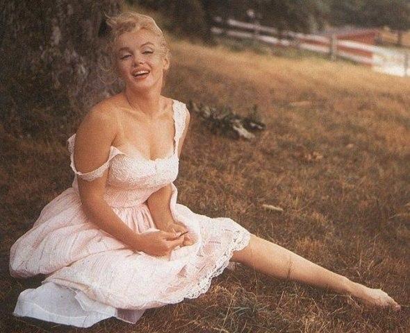 Marilyn Monroe - Page 9 G5oamy10