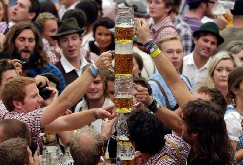 Oktoberfest in Munich - Page 2 Llveg710