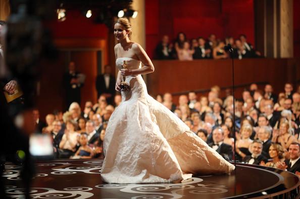 Academy Awards  - Page 14 Jennif17