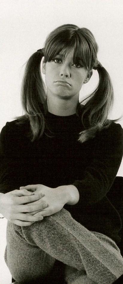 Les coiffures de Françoise Hardy Couett10