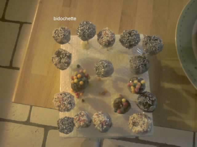 Cake pops Resize10