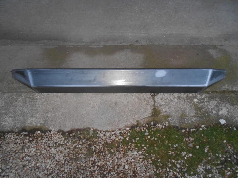 Un paraurti posteriore semplice e pulito....... Dscn2612