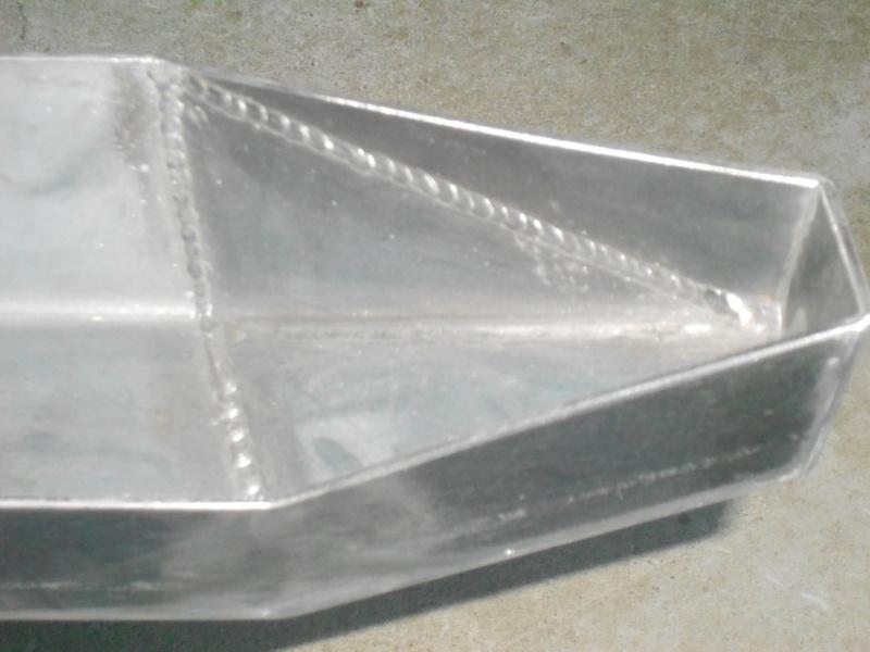 Un paraurti posteriore semplice e pulito....... Dscn2614