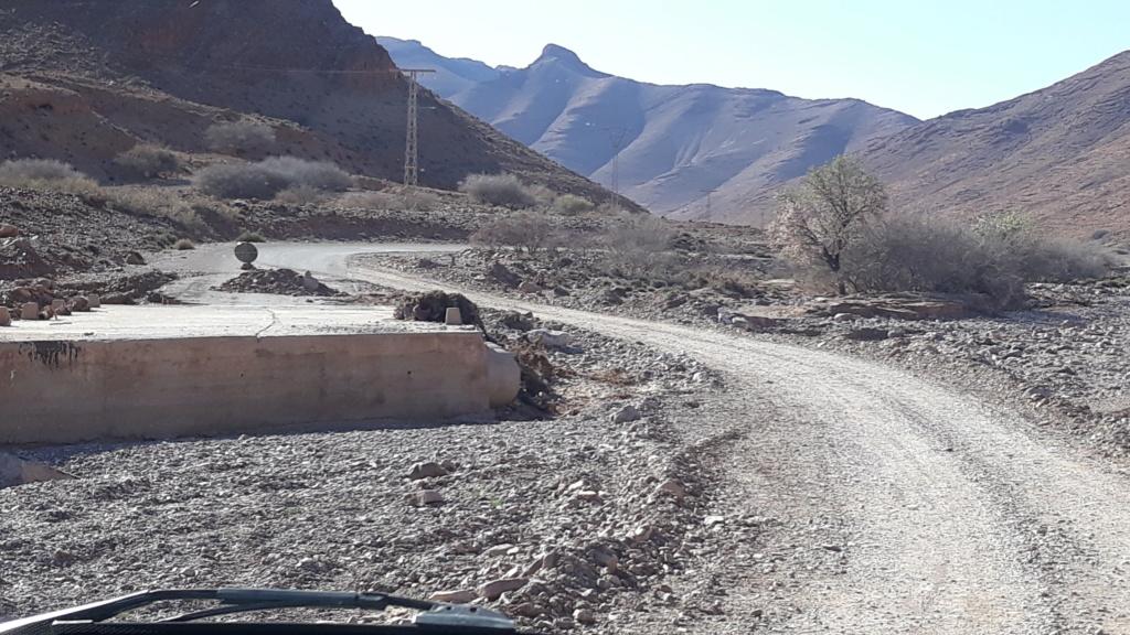 [Carburant, Routes, Police] Etat de la R106 entre  Taliouine et Igherm  20200252