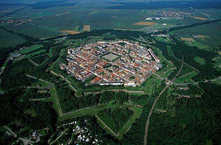 VAUBAN Oisivetés et citadelles 1_a0_401
