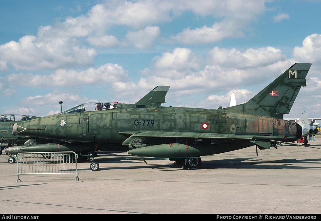 F 100 D Super Sabre  Turquie  ESCI  1/72 00277410
