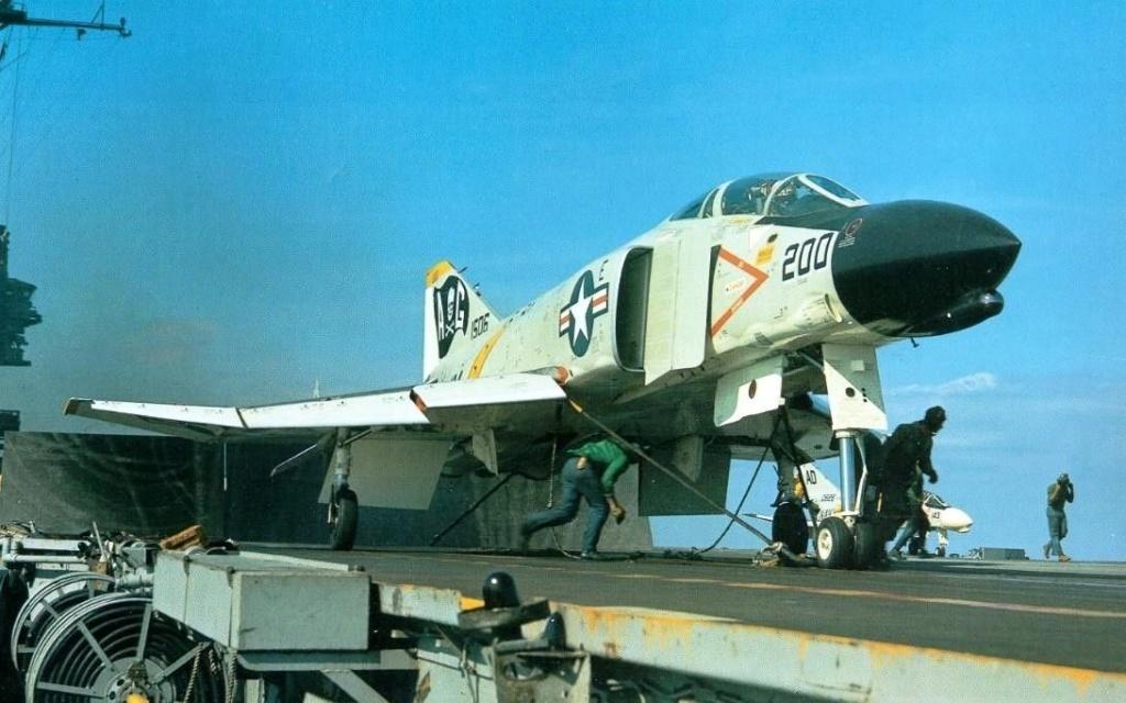 F 4 fg 1 Phantom II  Royal Navy   Airfix 1/72 - Page 2 0921b211