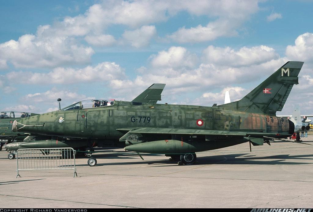 F 100 D Super Sabre  Turquie  ESCI  1/72 21911410
