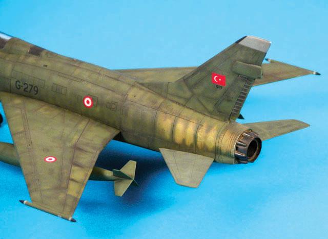 F 100 D Super Sabre  Turquie  ESCI  1/72 Dscn0010