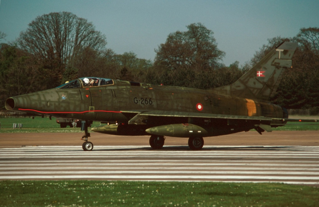 F 100 D Super Sabre  Turquie  ESCI  1/72 F-100d11