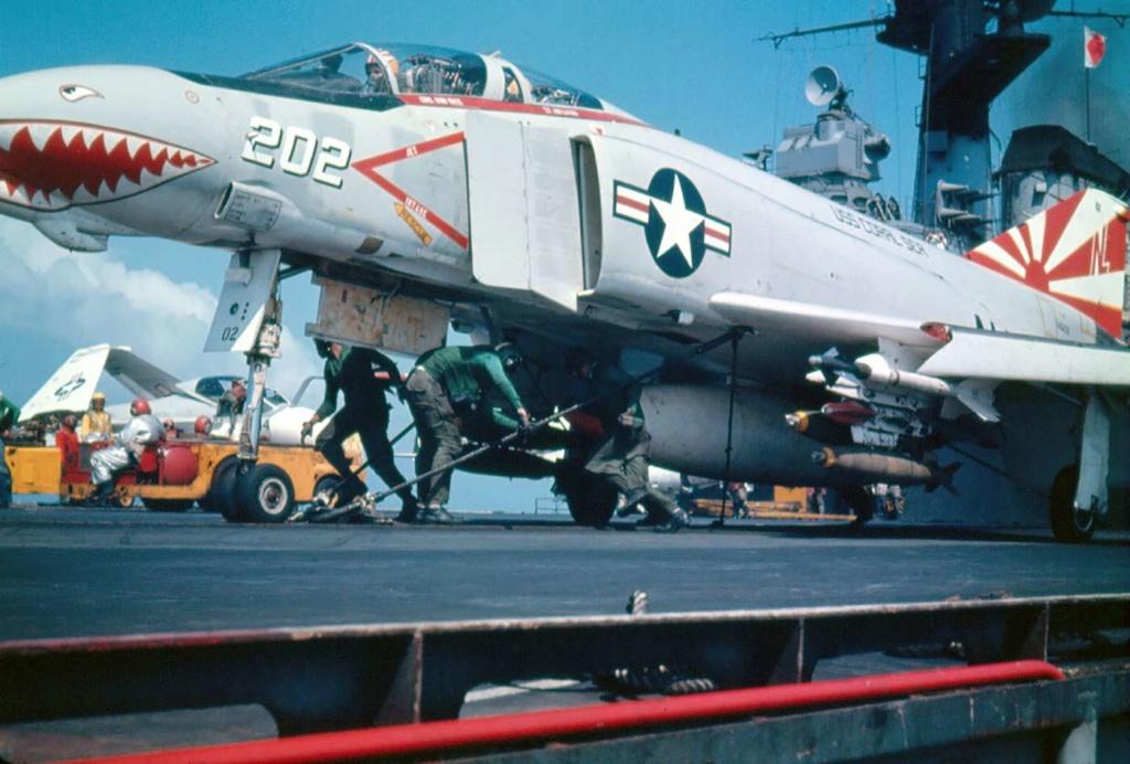 F 4 fg 1 Phantom II  Royal Navy   Airfix 1/72 - Page 2 Images10