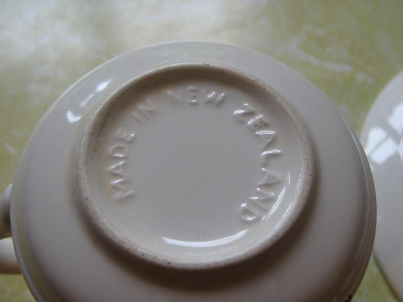 Pampas Crown Lynn Tableware Img_2021