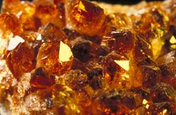 Коричневые кристаллы Amber-10