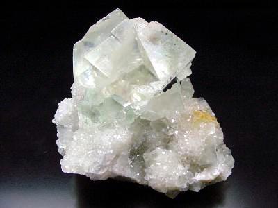 Белые кристаллы Whitec10