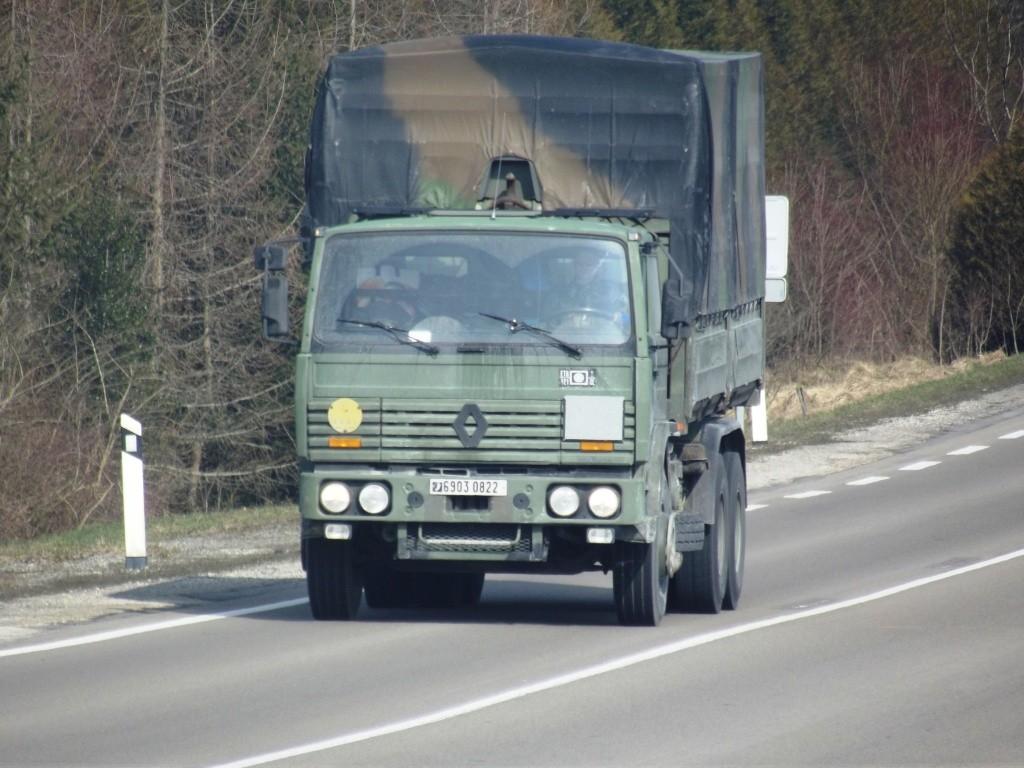 Camions de l'Armée - Page 10 Photo474