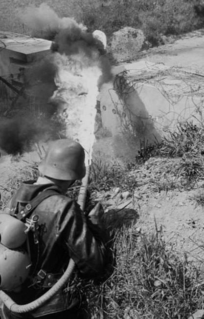 Les soldats de la Luftwaffe à l'instruction 3bis1010