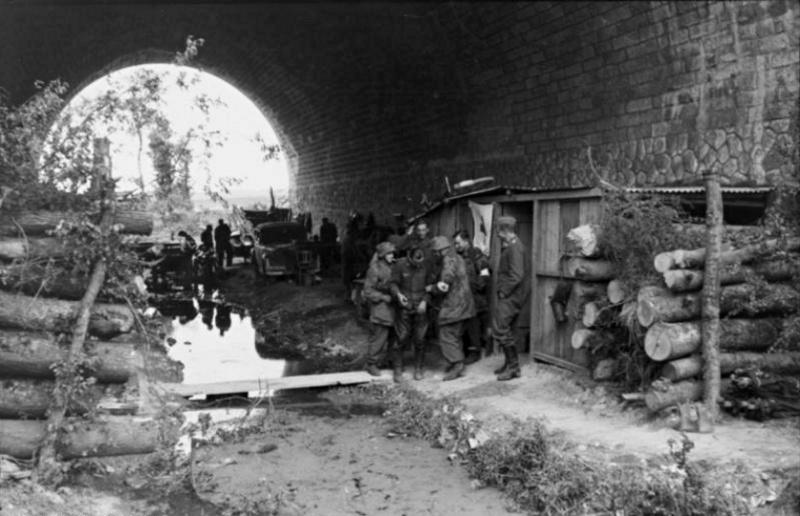Les troupes de la Luftwaffe en Normandie - Page 2 6c1110