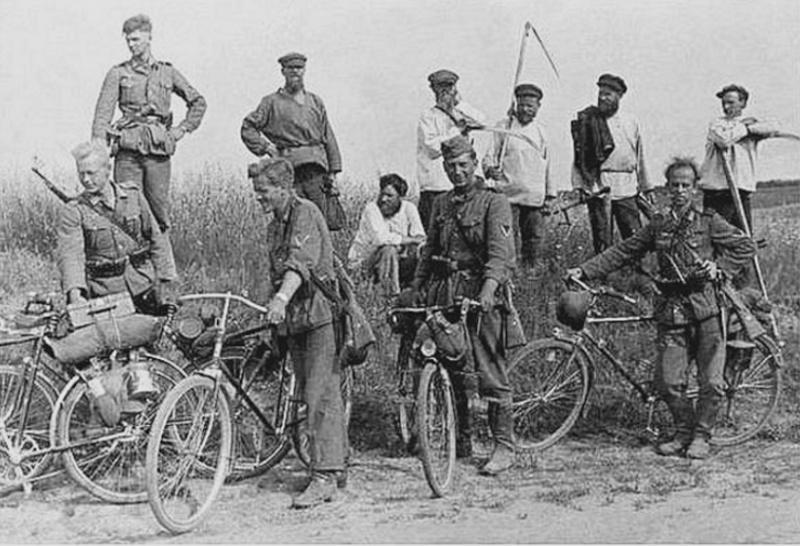 Les vélos de l'armée Allemande ww2 - Page 2 Dsbgsf10