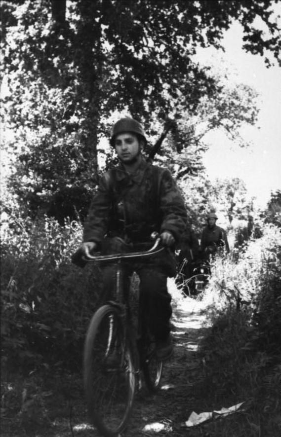 Les vélos de l'armée Allemande ww2 - Page 2 Ergz1010