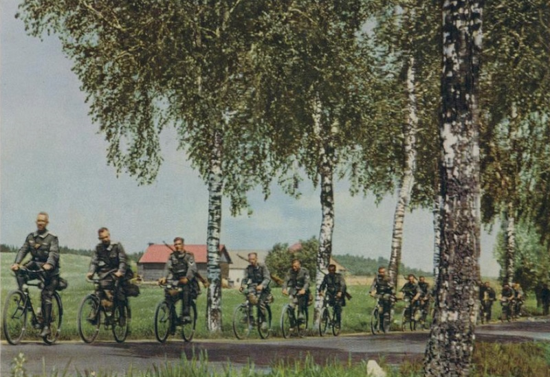 Les vélos de l'armée Allemande ww2 - Page 2 Ezyeuu10