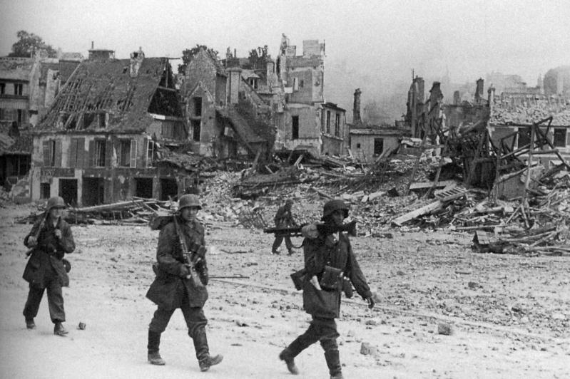 Les troupes de la Luftwaffe en Normandie - Page 2 Fjfgyk10