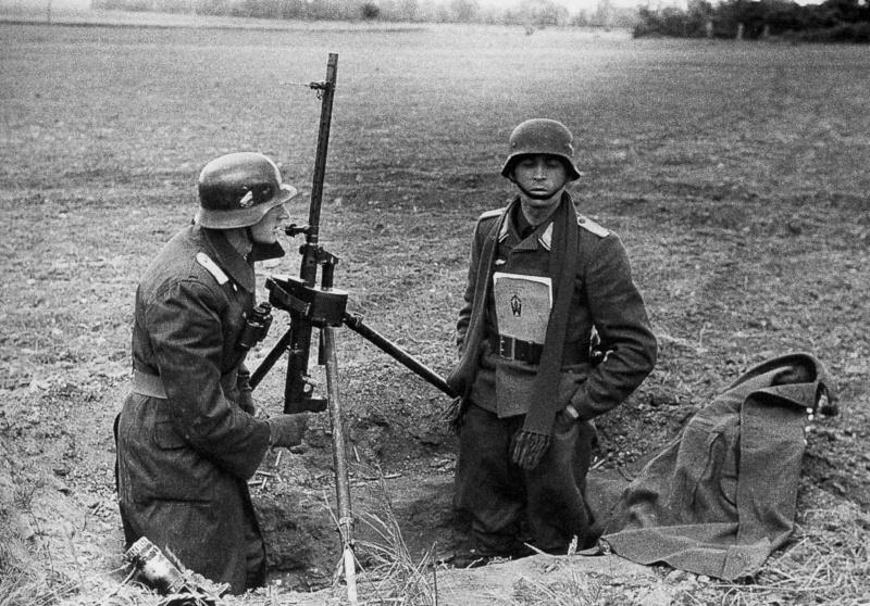 Les troupes de la Luftwaffe en Normandie - Page 2 Fjyfg10