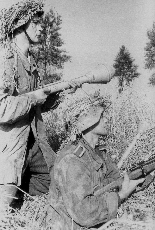 Les troupes de la Luftwaffe en Normandie - Page 2 Gykit10