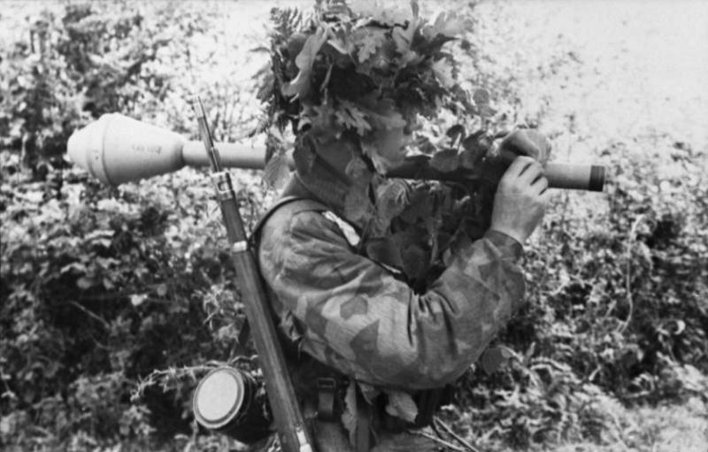 Les troupes de la Luftwaffe en Normandie - Page 2 Hjf10