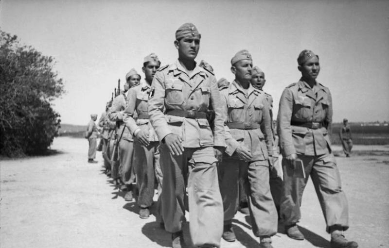 Les soldats de la Luftwaffe à l'instruction Jfgyjy10