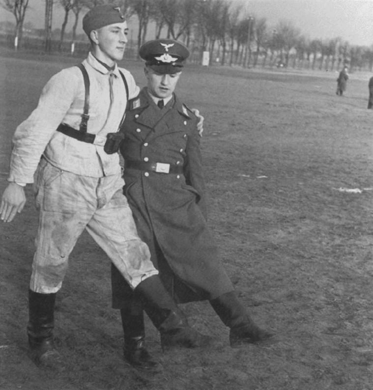 Les soldats de la Luftwaffe à l'instruction Srhdtt10