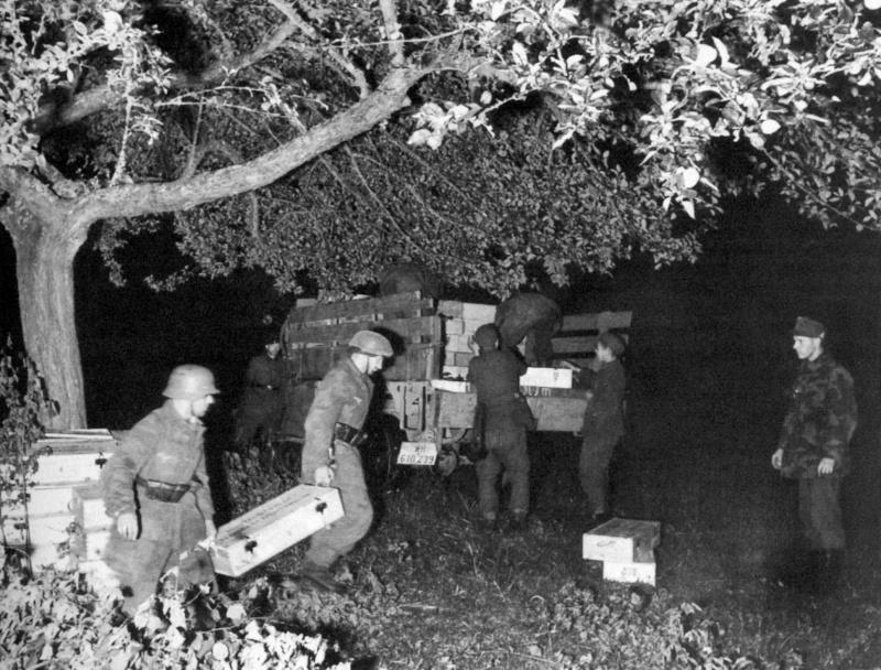 Les troupes de la Luftwaffe en Normandie - Page 2 Uhlkhy10