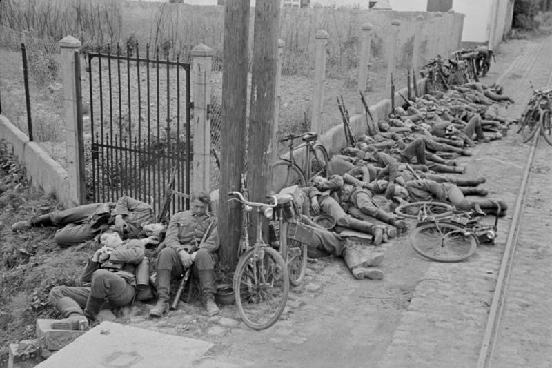 Les vélos de l'armée Allemande ww2 - Page 2 Zzzz1010