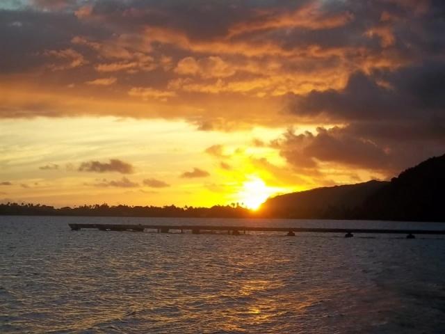 Mes couchers de soleil polynésiens - Page 2 100_0711