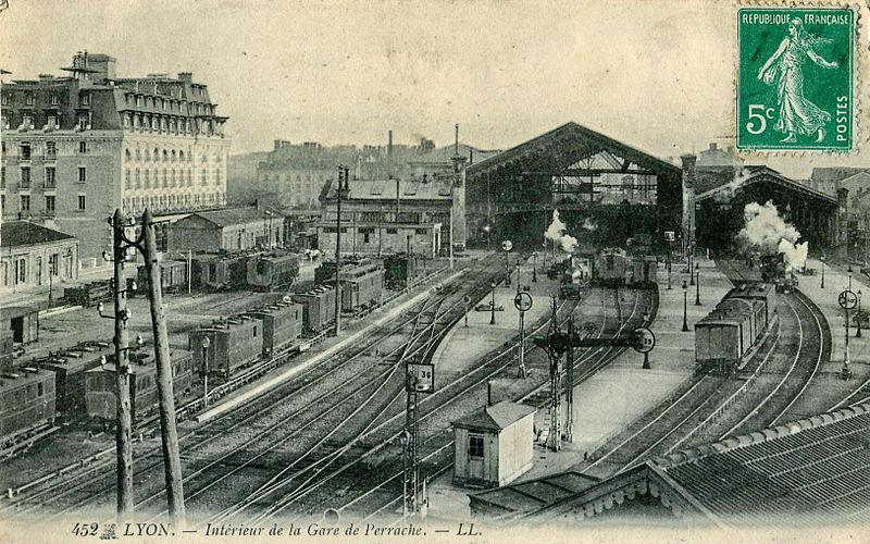 PLM Lyon Perrache 1895-1900 800px-10