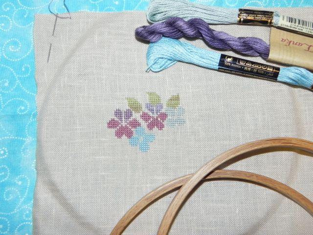SAL Sauvage Tralala Bouquet Violettes et Myosotis - Page 7 Dscn1722