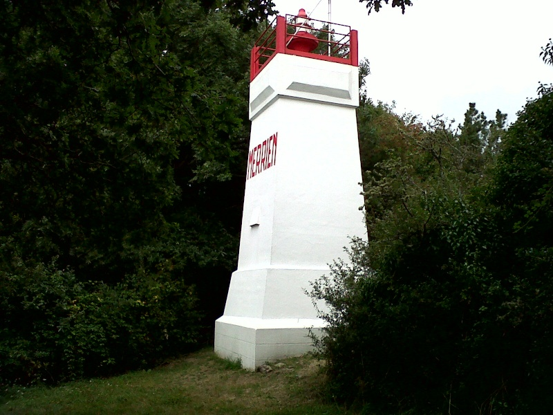 Moelan sur mer : le phare de Merrien Moalan18