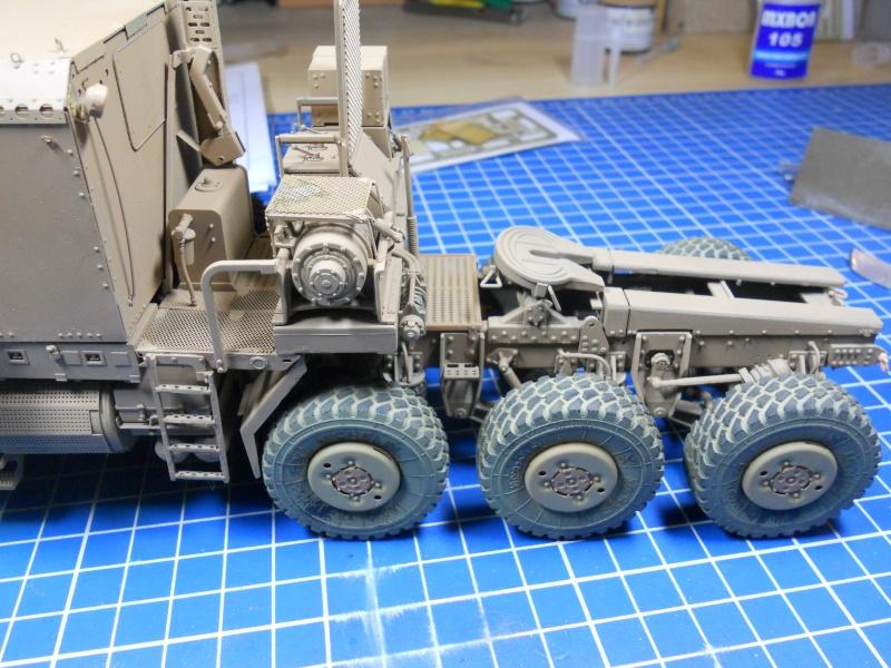 M1070 & M1000 Hobby Boss + photo-découpe E.T. Model 1/35  Dscn2412